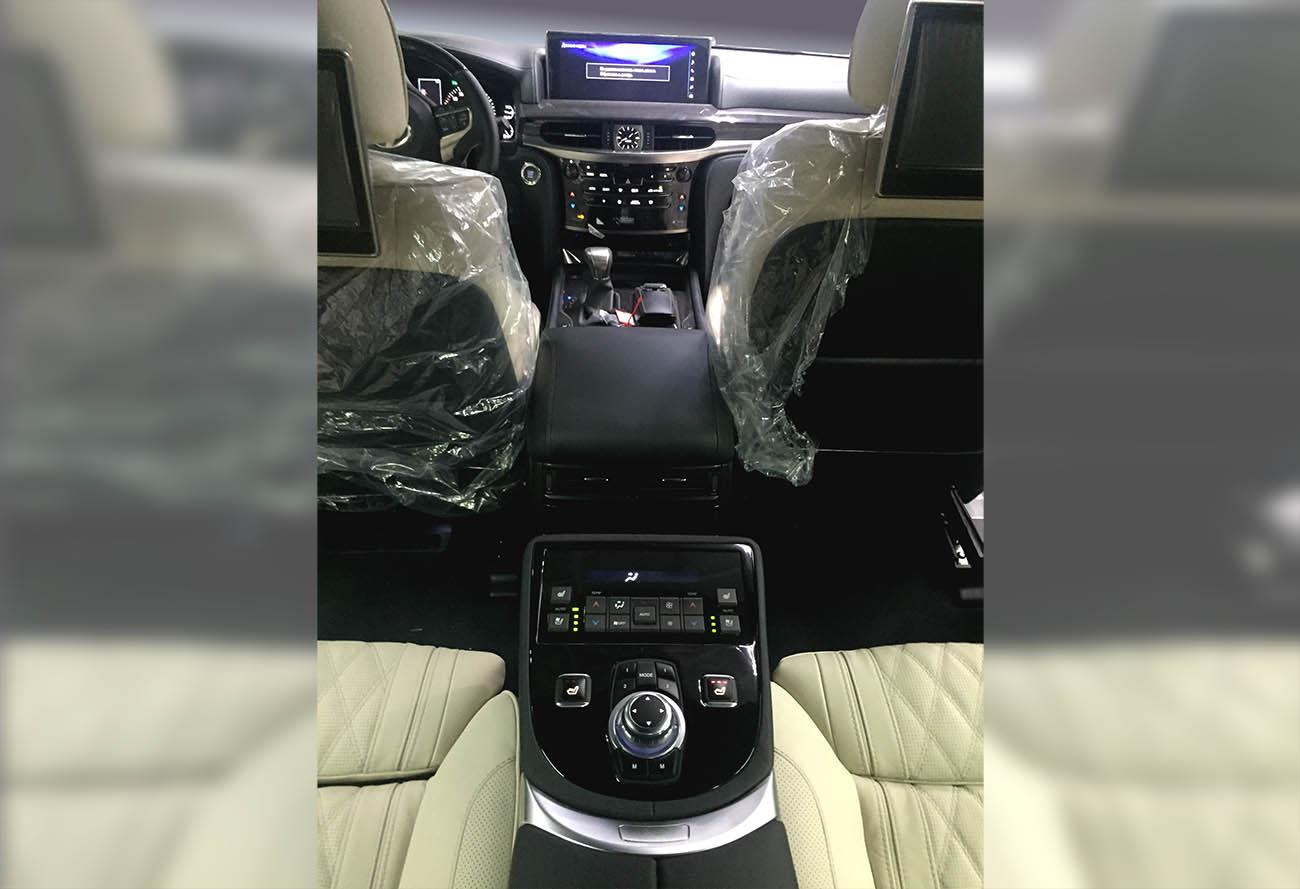 Раздельные комфортные сидения с установкой в Lexus LX